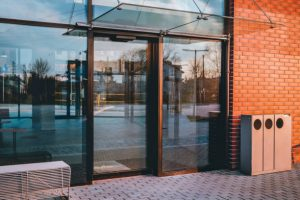 Commercial Glass Doors – Do They Need To Be Replaced?